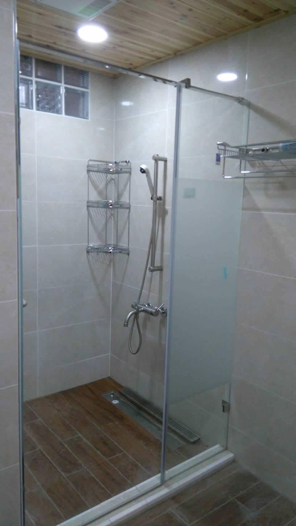 浴室淋浴拉門(乾溼分離)