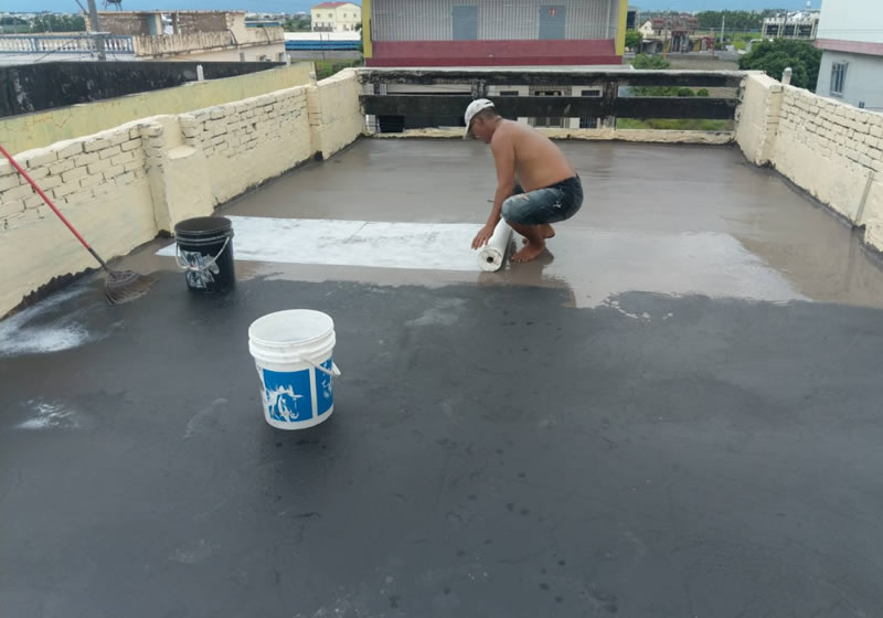 案例、屏東中正國中做屋頂水防水