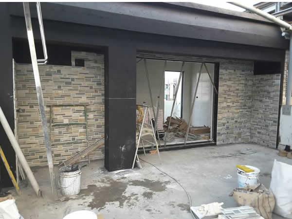 三樓神明廳外觀-採用西班牙磁磚